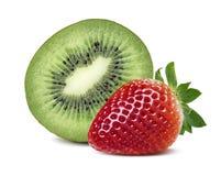 Зеленый состав клубники кивиа наполовину красный изолированный на белизне Стоковое Фото