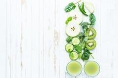 Зеленый супер рецепт smoothie Стоковая Фотография