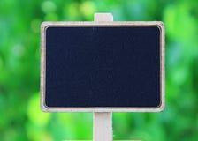 Зеленый цвет деревянной рамки изолированный стоковые фотографии rf