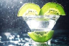 Зеленый цвет кивиа коктеиля спирта свежий Стоковое Изображение