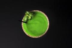 Зеленый цвет коктеиля питья Стоковое фото RF