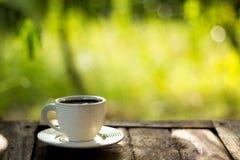 зеленый цвет кофейной чашки предпосылки Стоковые Изображения