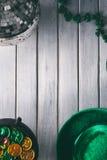 Зеленый цвет: Предпосылка деталей партии дня St. Patrick Стоковое Изображение