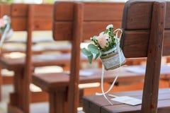 Зеленый цвет розового украшения свадьбы вися Стоковая Фотография