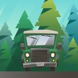Зеленый цвет с езды тележки дороги через лес Стоковая Фотография RF