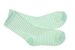 Зеленый цвет striped ребяческие изолированные носки Стоковое Фото