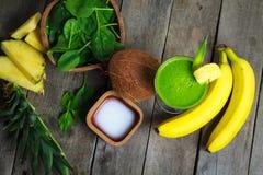 зеленый smoothie Стоковые Фото