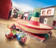 зеленым sombrero изолированный шлемом мексиканский Стоковые Фотографии RF