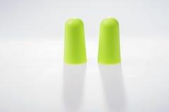 2 зеленых беруш изолированного на белизне Стоковая Фотография RF
