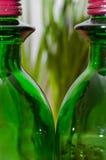 2 зеленых бутылки, зеленая бутылка Стоковая Фотография RF