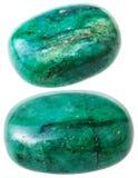 2 зеленых изолированного камешка драгоценной камня берилла Стоковое Изображение RF