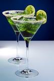 2 зеленых коктеила с известкой и мятой Стоковое Фото