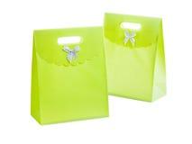 2 зеленых paperbags изолированного на белизне Стоковые Изображения
