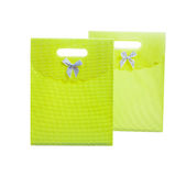2 зеленых paperbags изолированного на белом backgroud Стоковые Фотографии RF