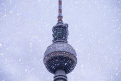 Зима башни телевидения Стоковые Изображения