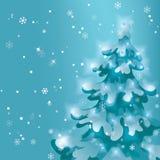 зима валов снежка неба лож заморозка мрачного дня ветвей сини Снежок падает Showfall дерево сосны снежное с светами праздника Стоковое фото RF
