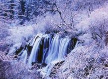 зима водопада вала jiuzhaigou стоковое изображение rf
