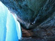 зима водопада minnehaha стоковая фотография