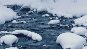 зима водоворота потока падений сток-видео