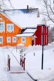 зима времени снежка горы коттеджа белая деревянная Стоковые Фото