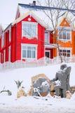 зима времени снежка горы коттеджа белая деревянная Стоковое Фото