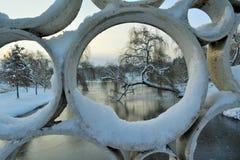 Зима в парке Tineretului, Румынии Стоковая Фотография