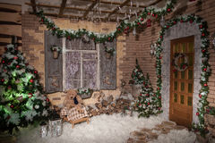 Зима в снежном Новом Годе выравнивая двор Стоковая Фотография