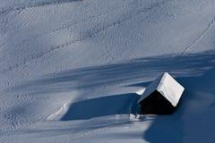 зима дома деревенская Стоковые Фотографии RF