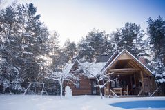 зима дома деревянная Стоковая Фотография RF