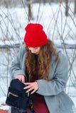 Зима девушки битника стоковые изображения