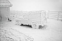 зима замерли автомобилем, котор Стоковые Фото