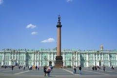 зима квадрата дворца колонки Александра стоковые изображения