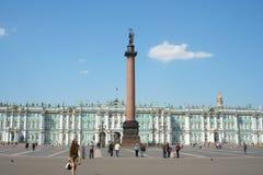 зима квадрата дворца колонки Александра стоковые изображения rf