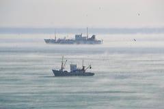 Зима, корабли в гавани Стоковое Изображение