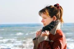 зима моря девушки backgound Стоковые Фото