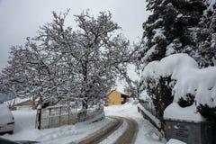 Зима на Trikala Korinthias, Пелопоннесе, Греции Стоковые Изображения
