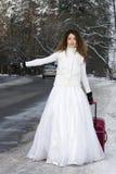зима невесты eloping Стоковая Фотография