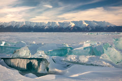 зима озера льда baikal плавя Стоковые Изображения