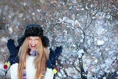 зима парка девушки Стоковые Фотографии RF