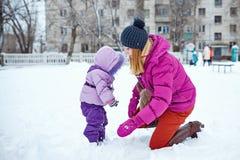 зима парка мати дочи Стоковые Фотографии RF