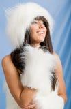 зима портрета девушки шерсти нося белая Стоковая Фотография RF