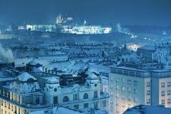 Зима Прага, замок и собор St Vitus взгляд городка республики cesky чехословакского krumlov средневековый старый Стоковое фото RF