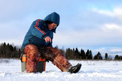 Зима рыболова на озере Стоковое Изображение