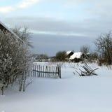 зима села времени России holoholnya стоковое изображение