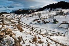 зима села Румынии горы ландшафта Стоковая Фотография RF