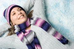 зима снежка девушки стоковые изображения