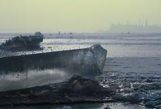 Зима сняла блока льда на замороженном озере Стоковое фото RF