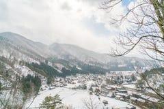 Зима Shirakawago при снег падая, Япония Стоковое Изображение