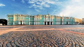 Зимний дворец - обитель в Санкт-Петербурге, России стоковое фото rf
