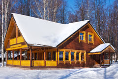 Зимний день, дом Стоковое Фото